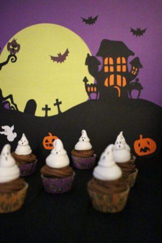 Maison hantée, cimetière et esprit du cupcake au chocolat
