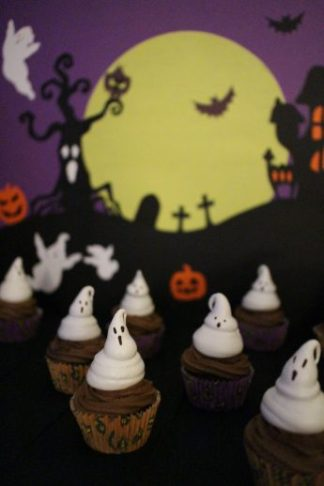 Cupcakes au Chocolat et Meringues Fantômes